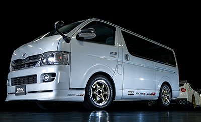 HIACE tuned by Kansai service<br>MACHINING &amp; CHAMPAGNE GOLD